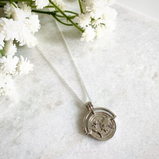 World Traveller Necklace Silver