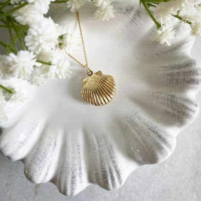 Clemmie Gold Clam Shell Locket
